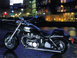 2002 Triumph Bonneville America, black and silver